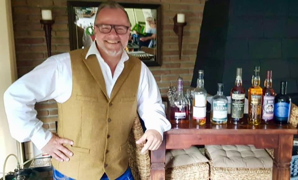 Bild 1 Whiskydevil mit Flaschen